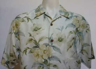Up for Grab is a Very Nice TOMMY BAHAMA Relax Floral Hawaiian Artsy