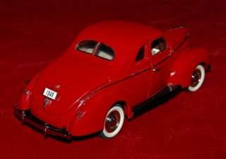 MINT DIE CAST EXACT REPLICA 124 FORD DELUXE COUPE 1940 RED