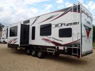 2011 KEYSTONE Fuzion Touring Edition III Toy Hauler 8 door Sleeps 10