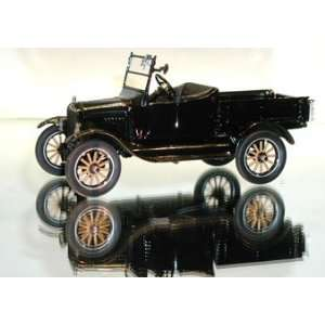 Danbury Mint 1925 Ford Model T Runabout Pickup Black 124